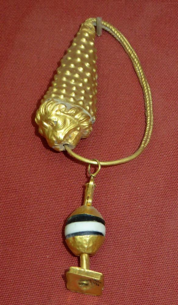 earringfullear